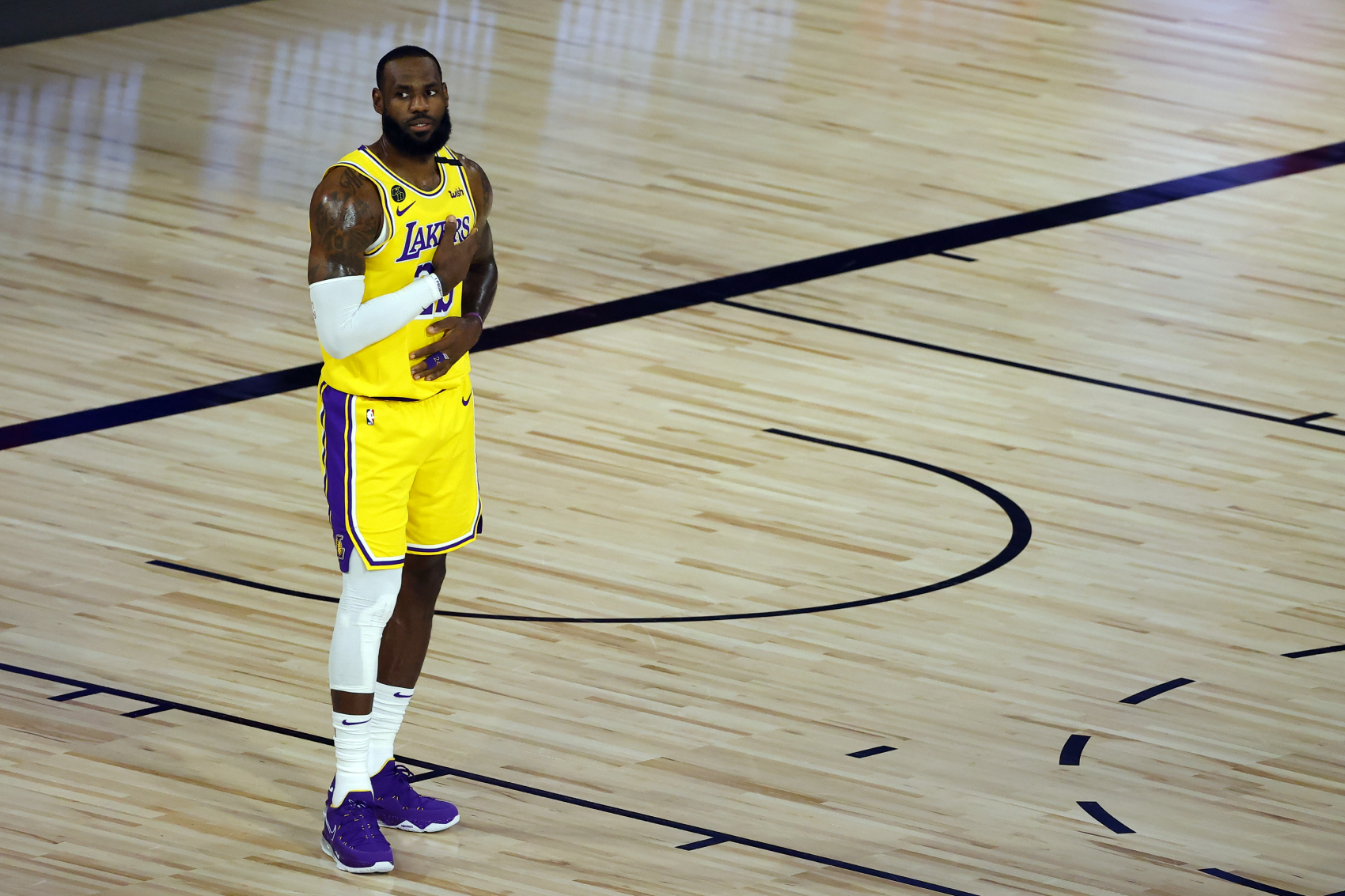 LeBron James and the Los Angeles Lakers have struggled in the NBA bubble. James might have just hinted at off-court problems too.