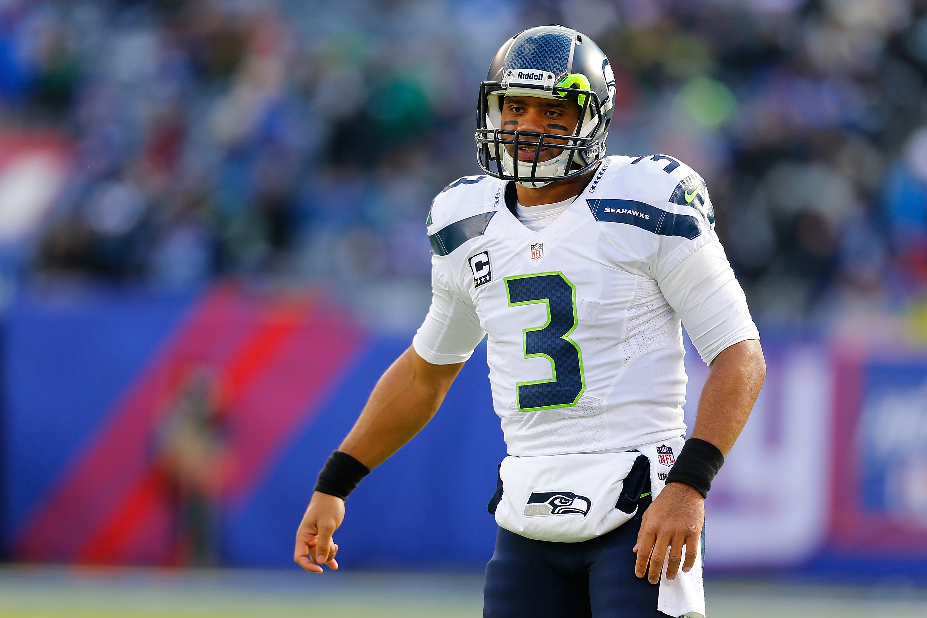 Russell Wilson Will Always Cherish the Lessons His Father Taught ...