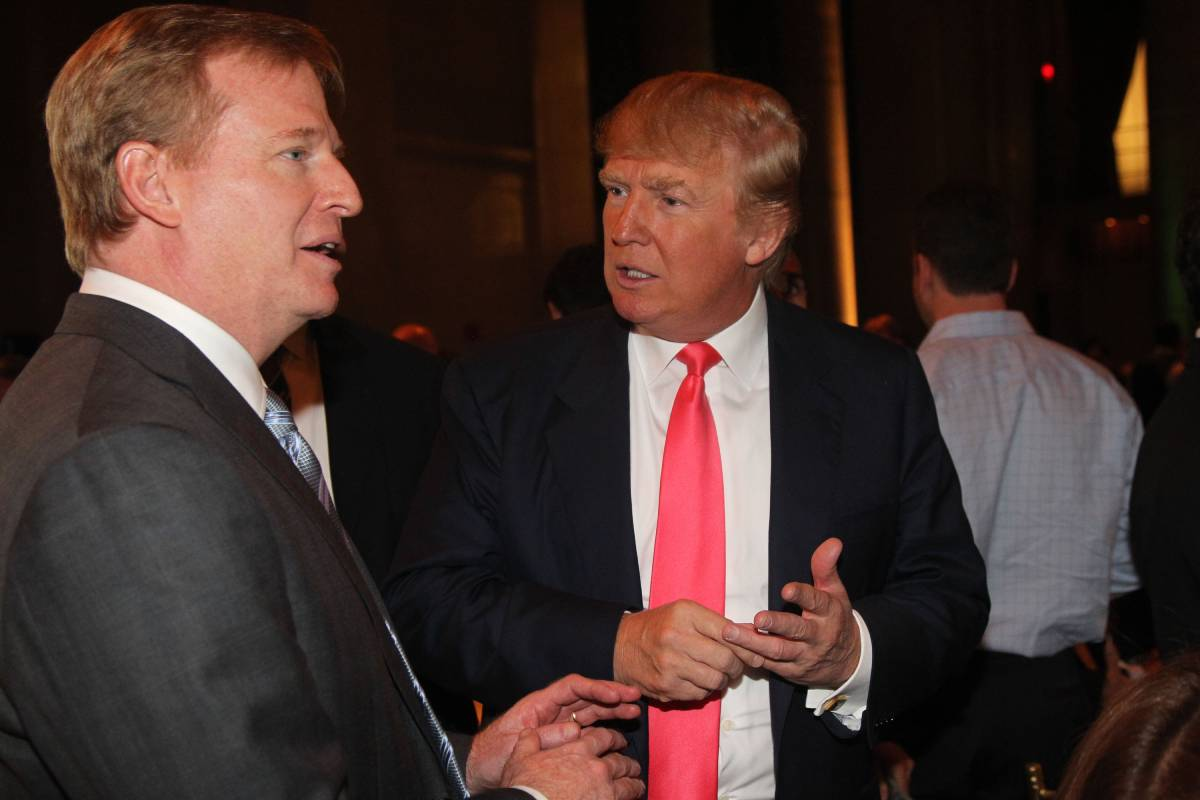 NFL commissioner Roger Goodell (L) and Donald Trump got along in 2008. The same can't be said for 2020.