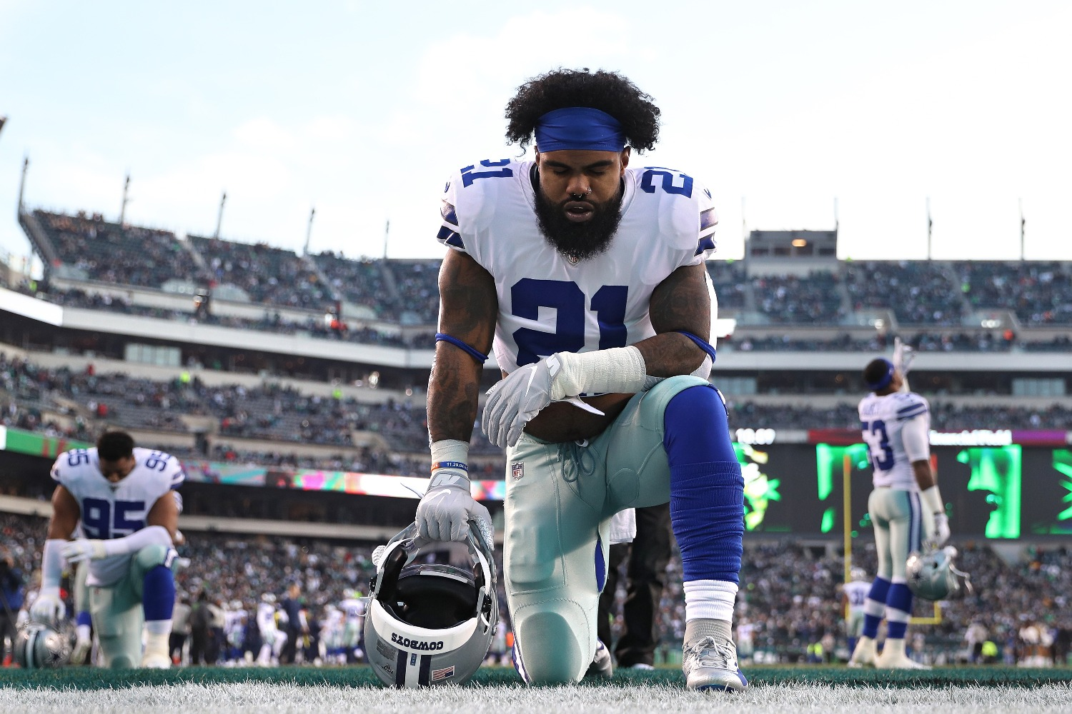 Ezekiel Elliott just revealed the Cowboys' national anthem protest plan.