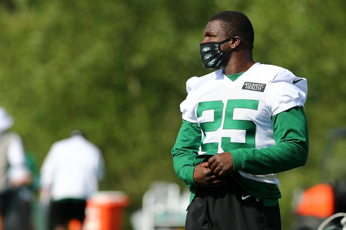 Longtime NFL running back Frank Gore is entering his first season with the New York Jets.