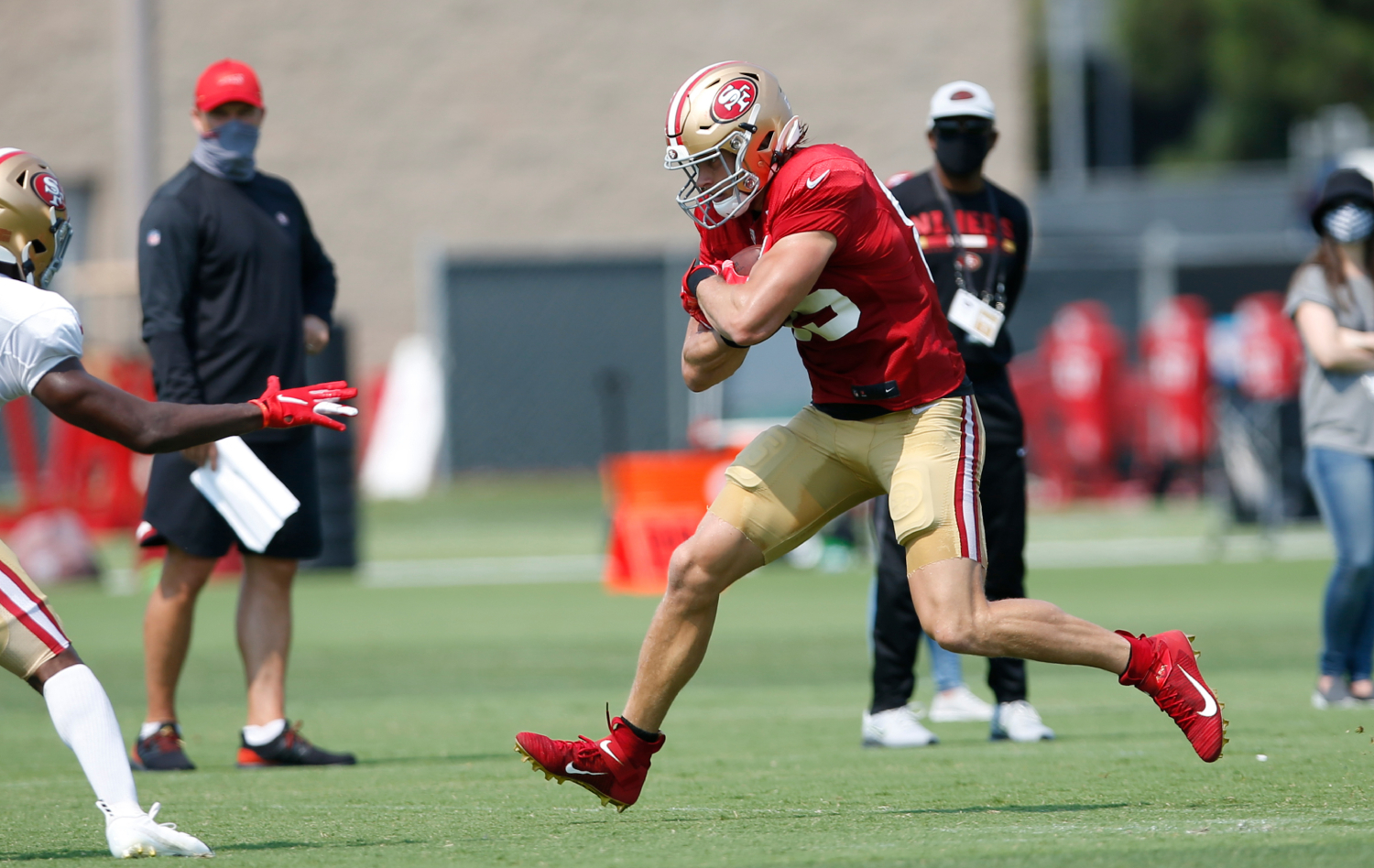 George Kittle reveals a surprising player he watches in order to improve.