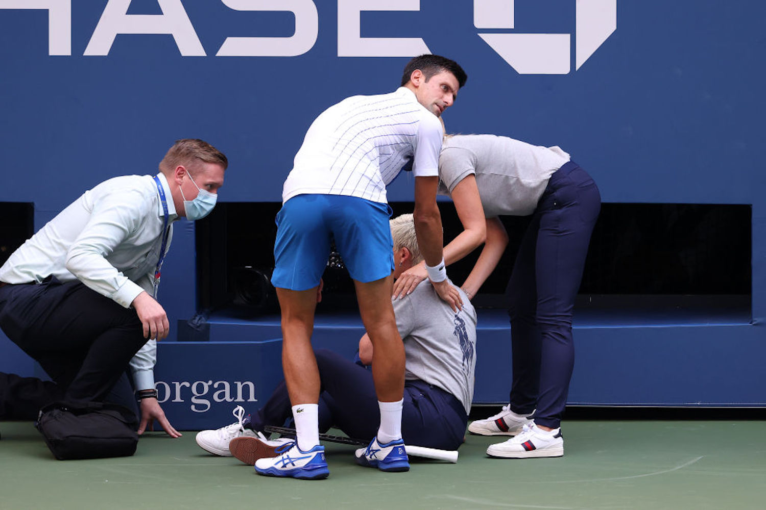 Novak Djokovic's temper tantrum got him kicked out of the U.S. Open, so who takes his place as the new favorite to win the tournament?