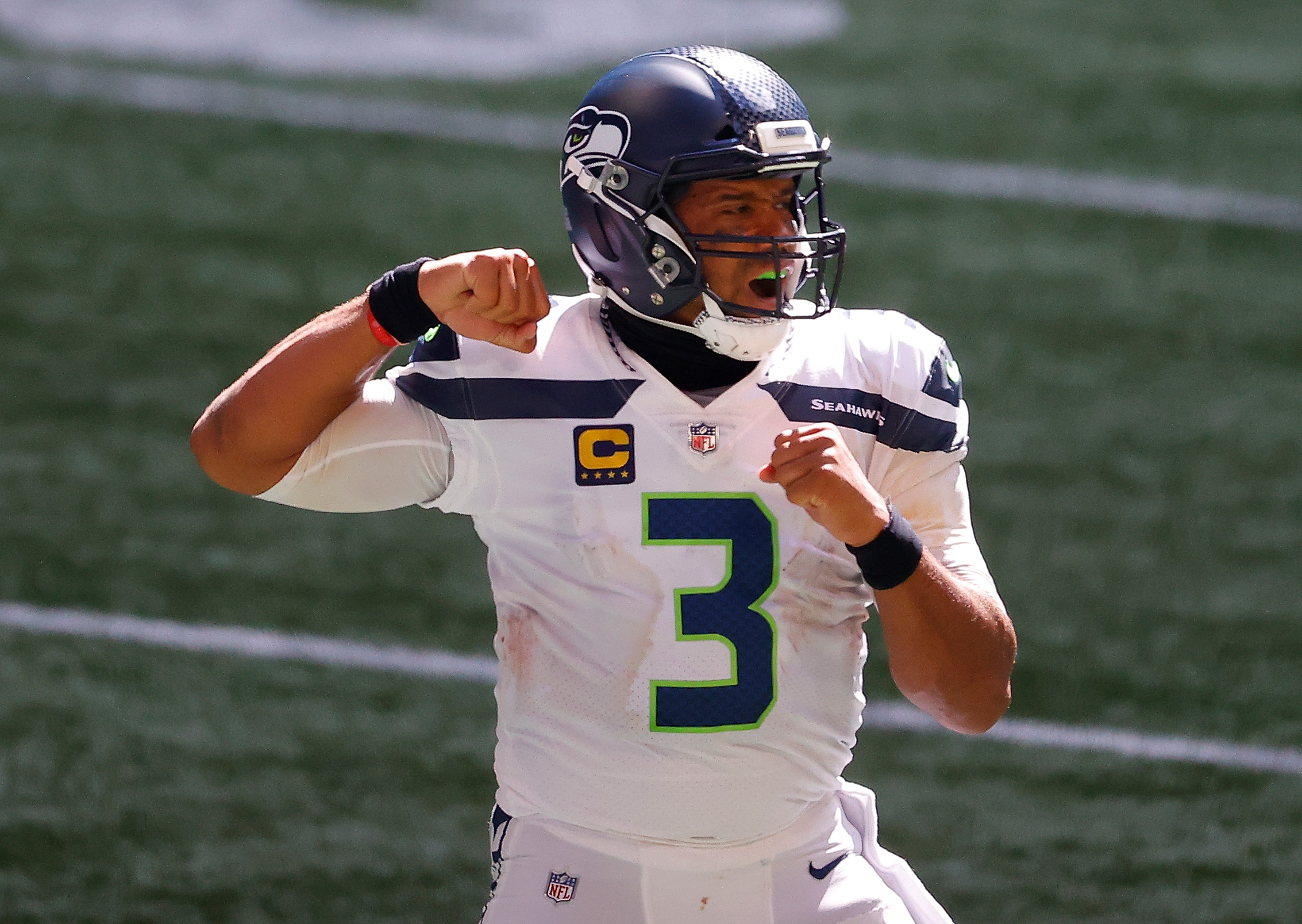 Russell Wilson Sends Terrifying Message to the Rest of the NFL With His Week 1 Performance