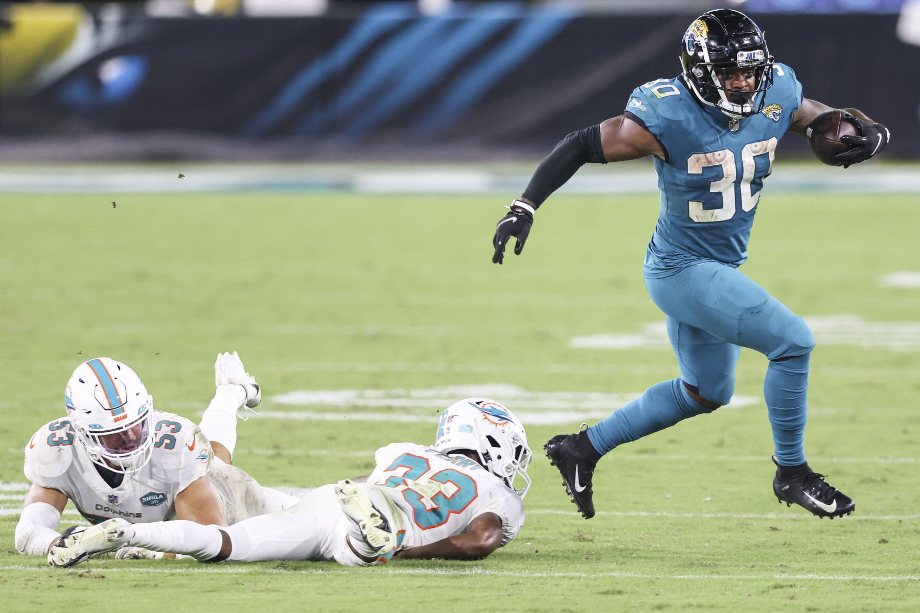 The Jacksonville Jaguars waived running back Leonard Fournette this offseason. However, this has led to James Robinson becoming a star.
