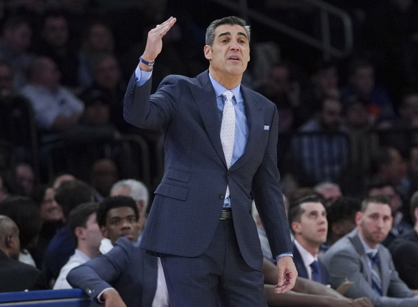The Philadelphia 76ers need a head coach, and Villanova's Jay Wright could be the perfect fit -- if he's ready to jump to the NBA.