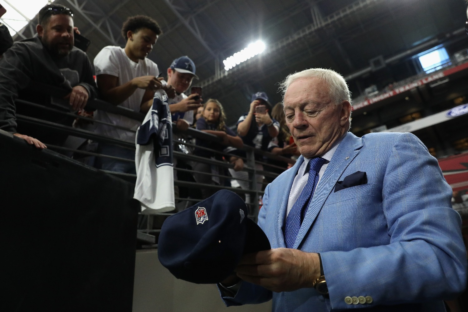 Jerry Jones just sent a powerful message to Cowboys fans about Dallas players kneeling during the national anthem.