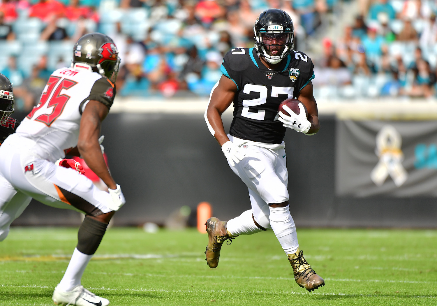 Leonard Fournette #27 of the Jacksonville Jaguars