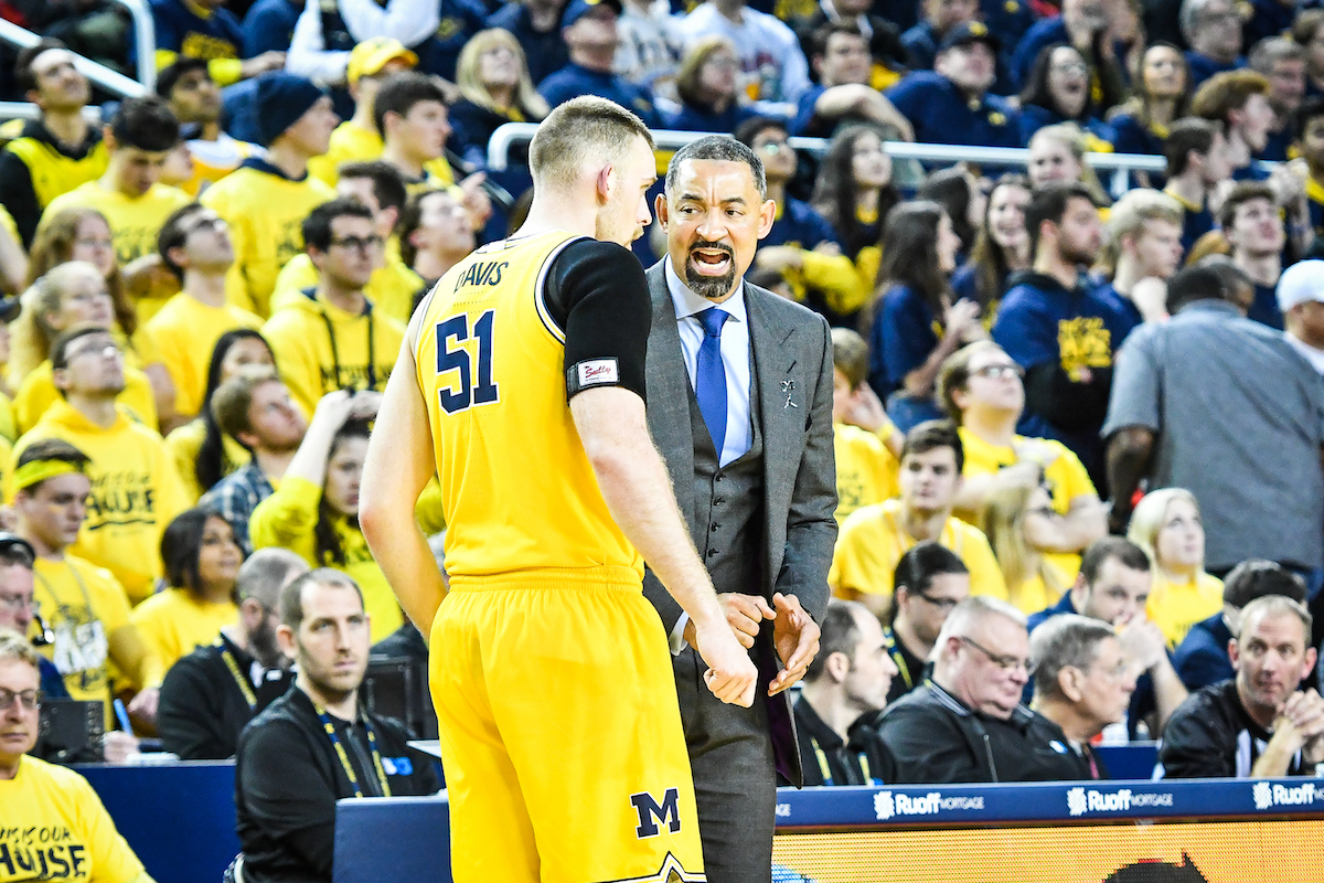 Wolverines head coach Juwan Howard
