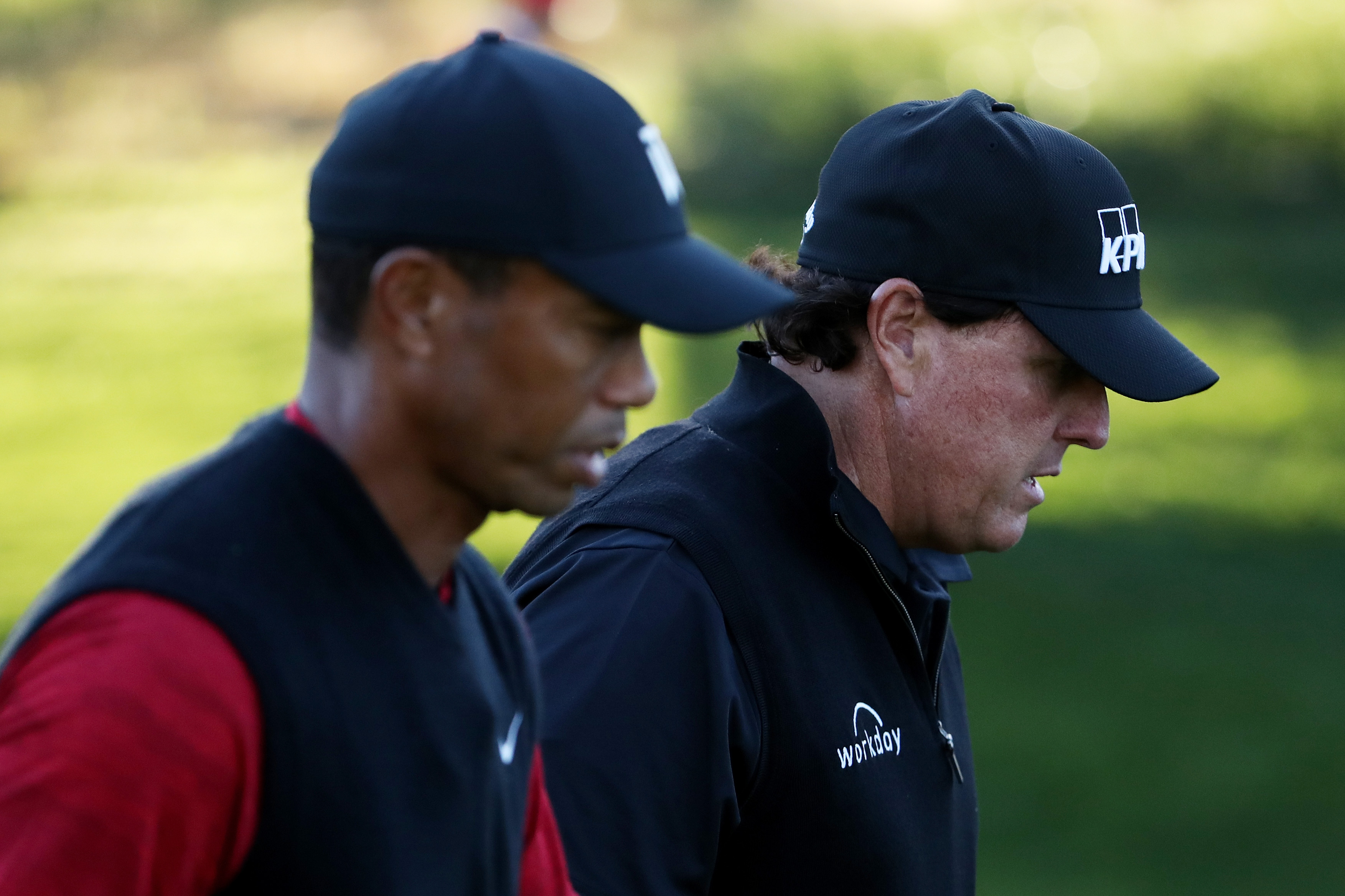 Phil Mickelson showed some love to Tiger Woods in a Twitter post. t