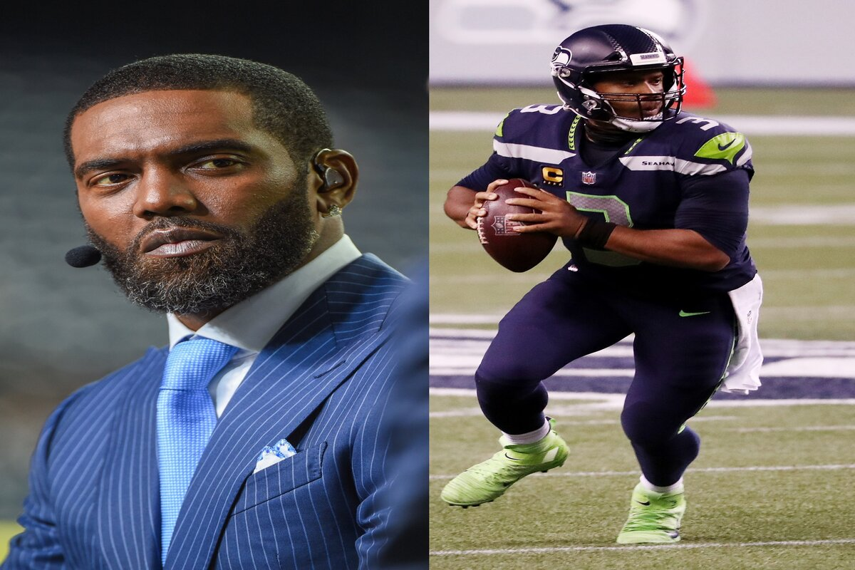 Hall of Fame receiver Randy Moss (L) had an opportunity to sign with Russell Wilson and the Seahawks in 2013.