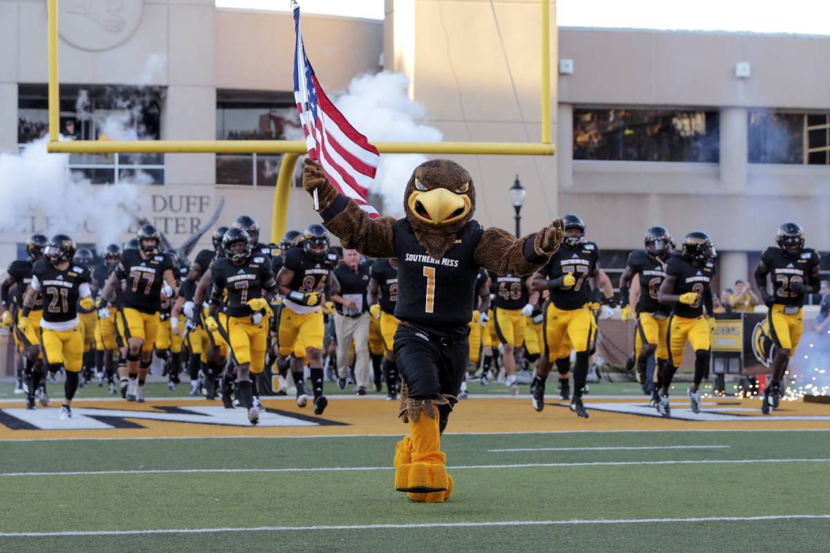 Frank Gore Jr., son of the NFL great, debuted for the Southern Miss Golden Eagles on Sept. 3, 2020.