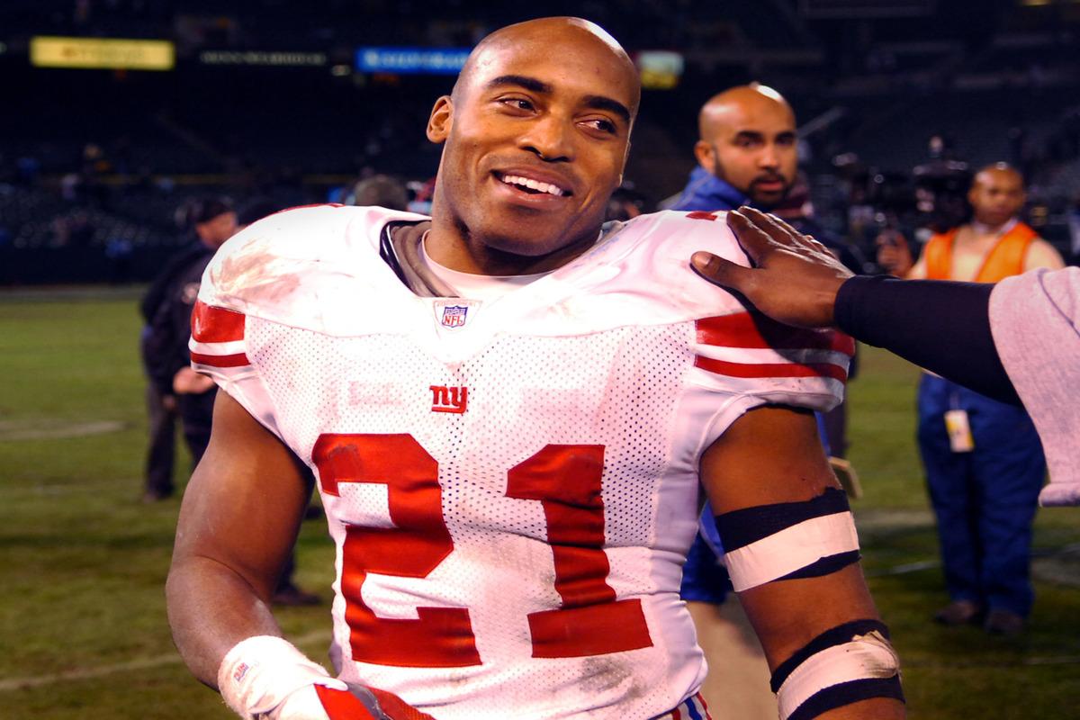 Former New York Giants running back Tiki Barber earned over $25 million in the NFL.