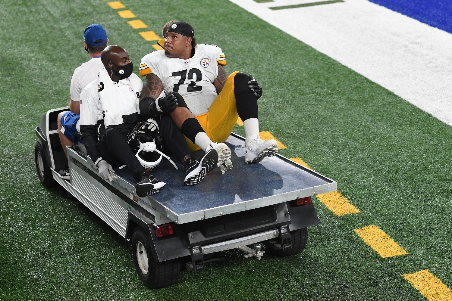 The Pittsburgh Steelers suffered a huge blow to their Super Bowl hopes after starting right tackle Zach Banner tore his ACL.