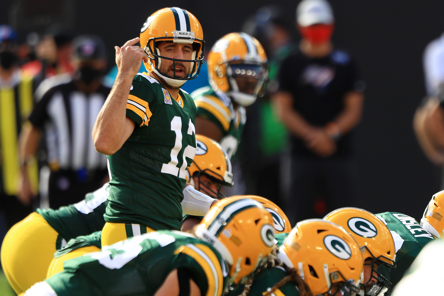 Aaron Rodgers and Ndamukong Suh have a heated rivalry that goes way back. Rodgers recently discussed it, as well as their trash talk.