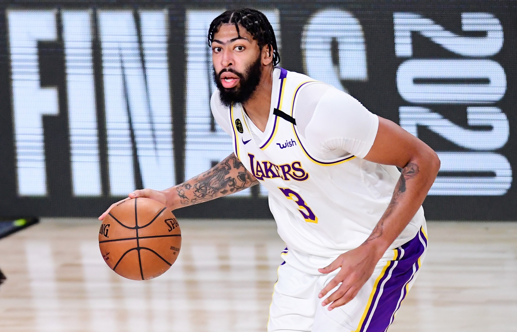 Anthony Davis reveals Lakers free agency decision
