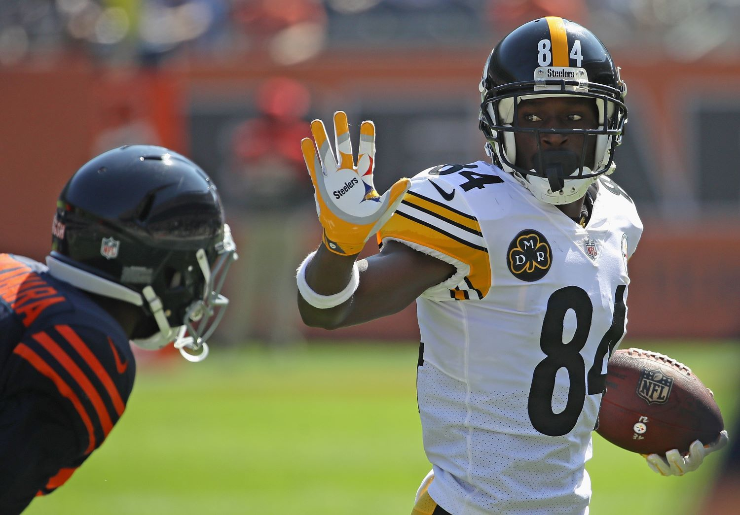 Antonio Brown just sent a clear message about joining the Chicago Bears.