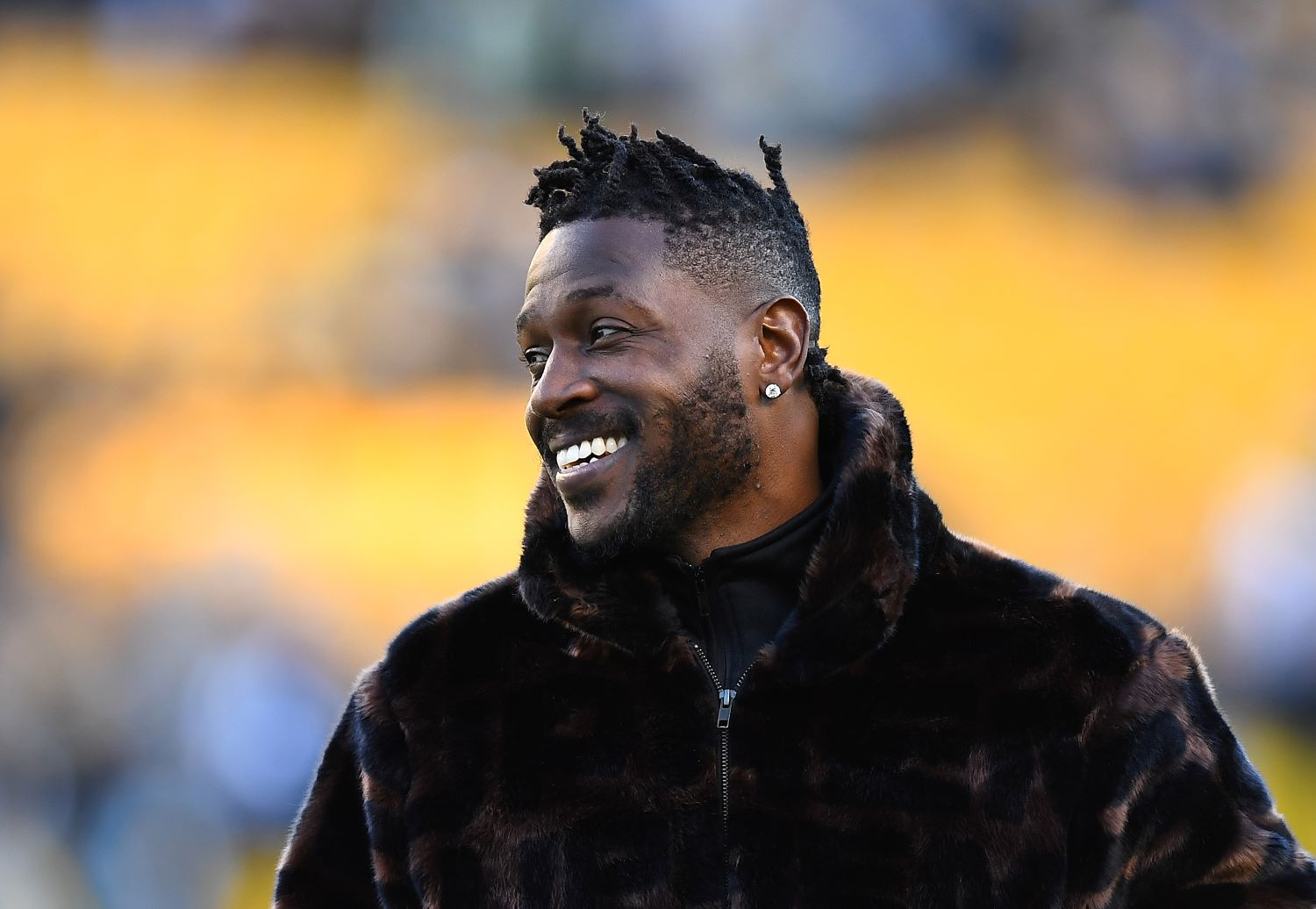 Antonio Brown Has 2.5 Million Reasons to Avoid Trouble in Tampa