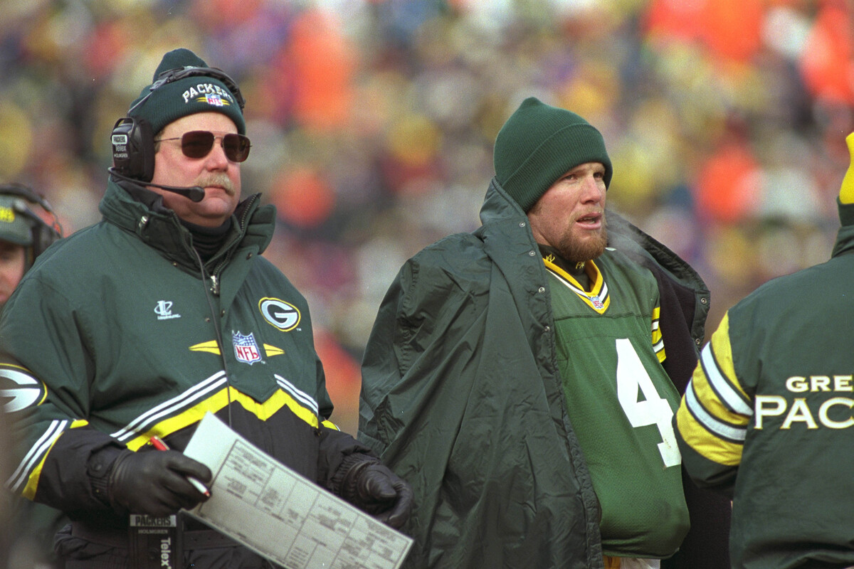 Green Bay Packers quarterback Brett Favre (No. 4) had a terrific relationship with head coach Mike Holmgren.