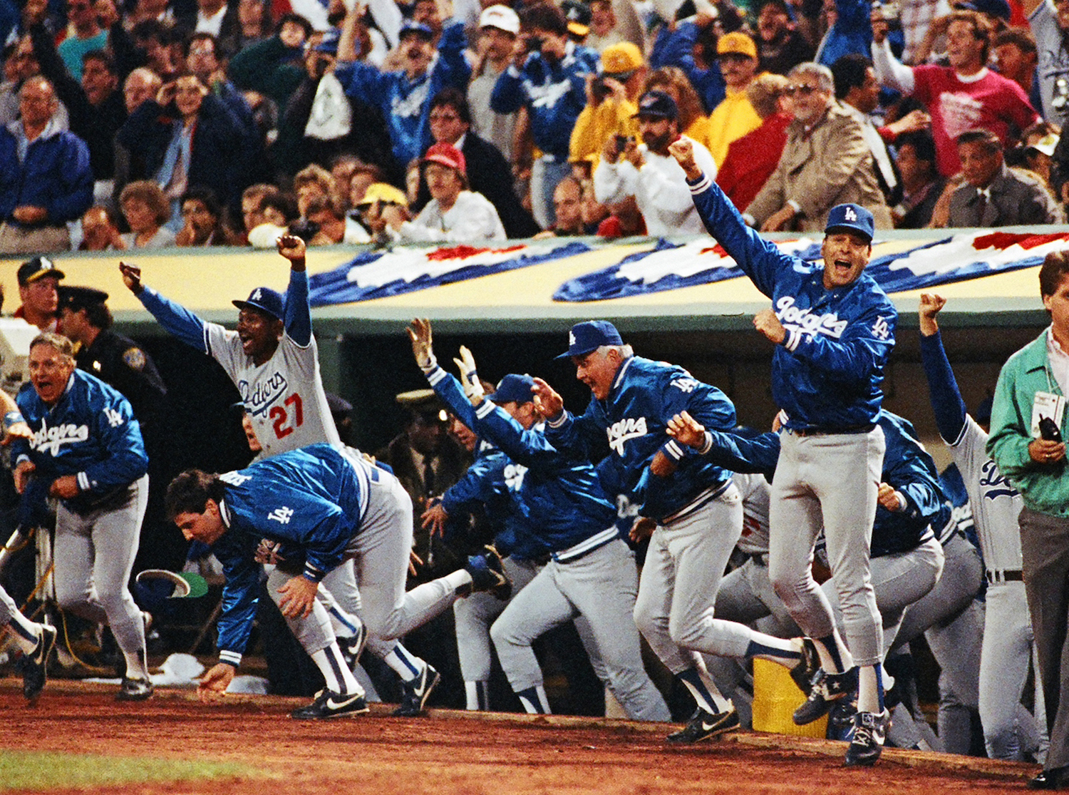Los Angeles Dodgers won 1988 World Series.