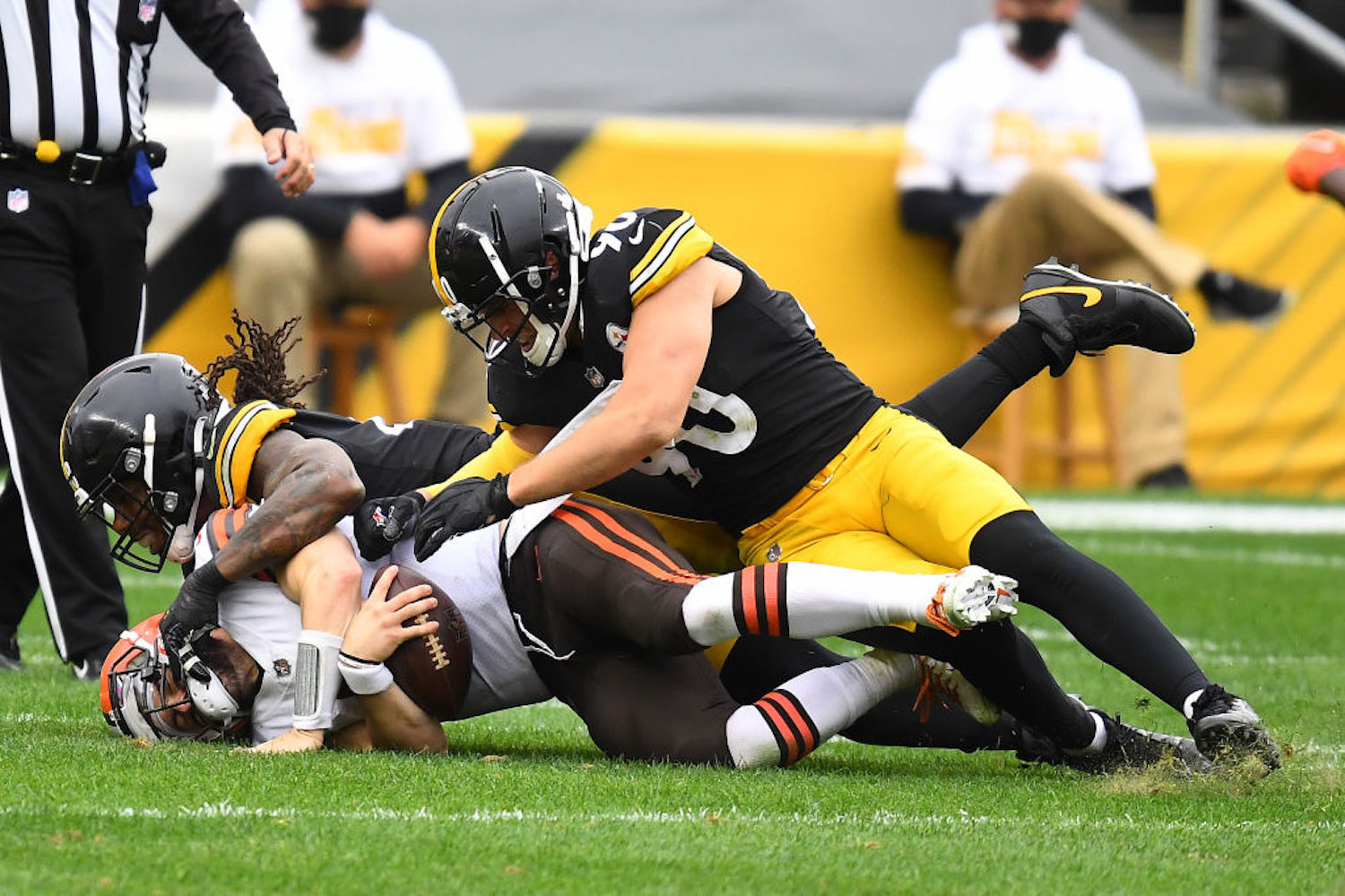 The Pittsburgh Steelers just won their 17th straight home game against the Cleveland Browns, proving they're still the little brother.