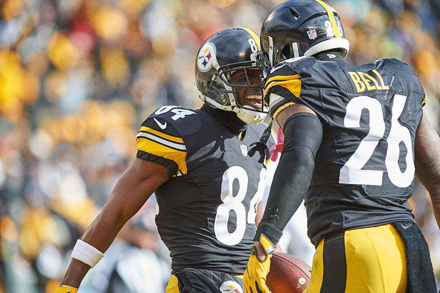 Le'Veon Bell and Antonio Brown were the most dominant RB/WR duo in the NFL just three years ago, but now they're both unemployed.