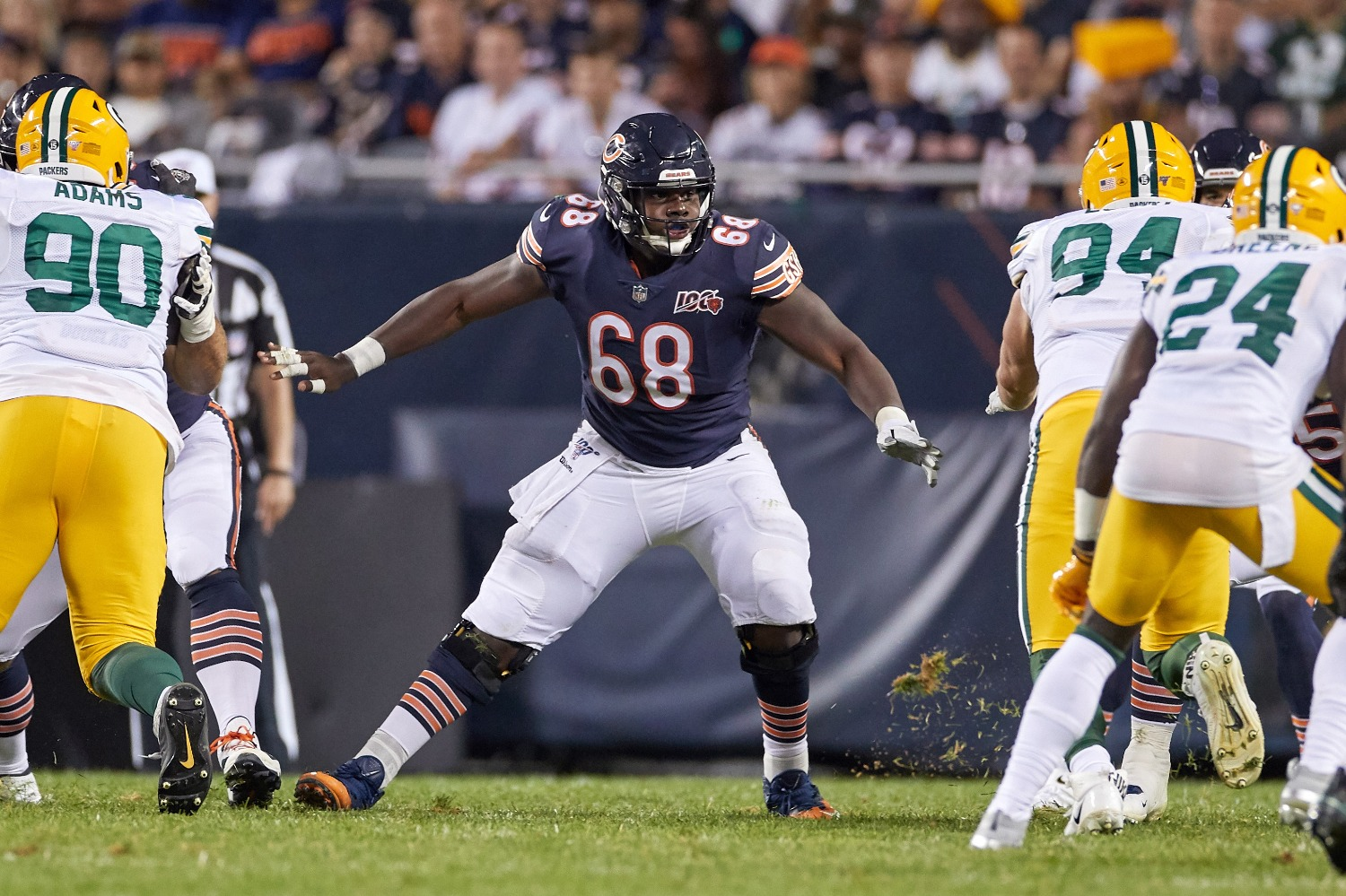 The Chicago Bears just suffered another season-ending injury blow with starting left guard James Daniels sustaining a torn pec on Thursday.