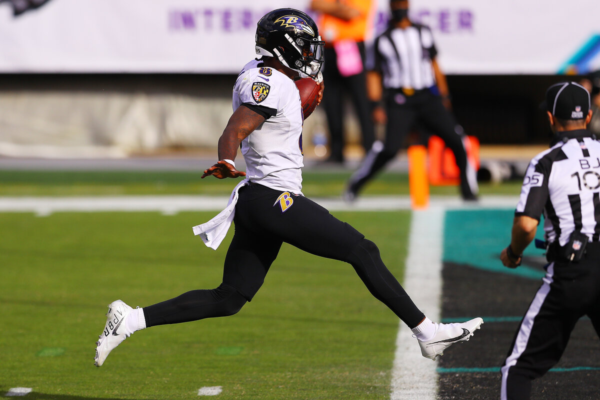 Lamar Jackson and the Baltimore Ravens are playing well again. Adding a specific $12 million playmaker could boost their Super Bowl hopes.
