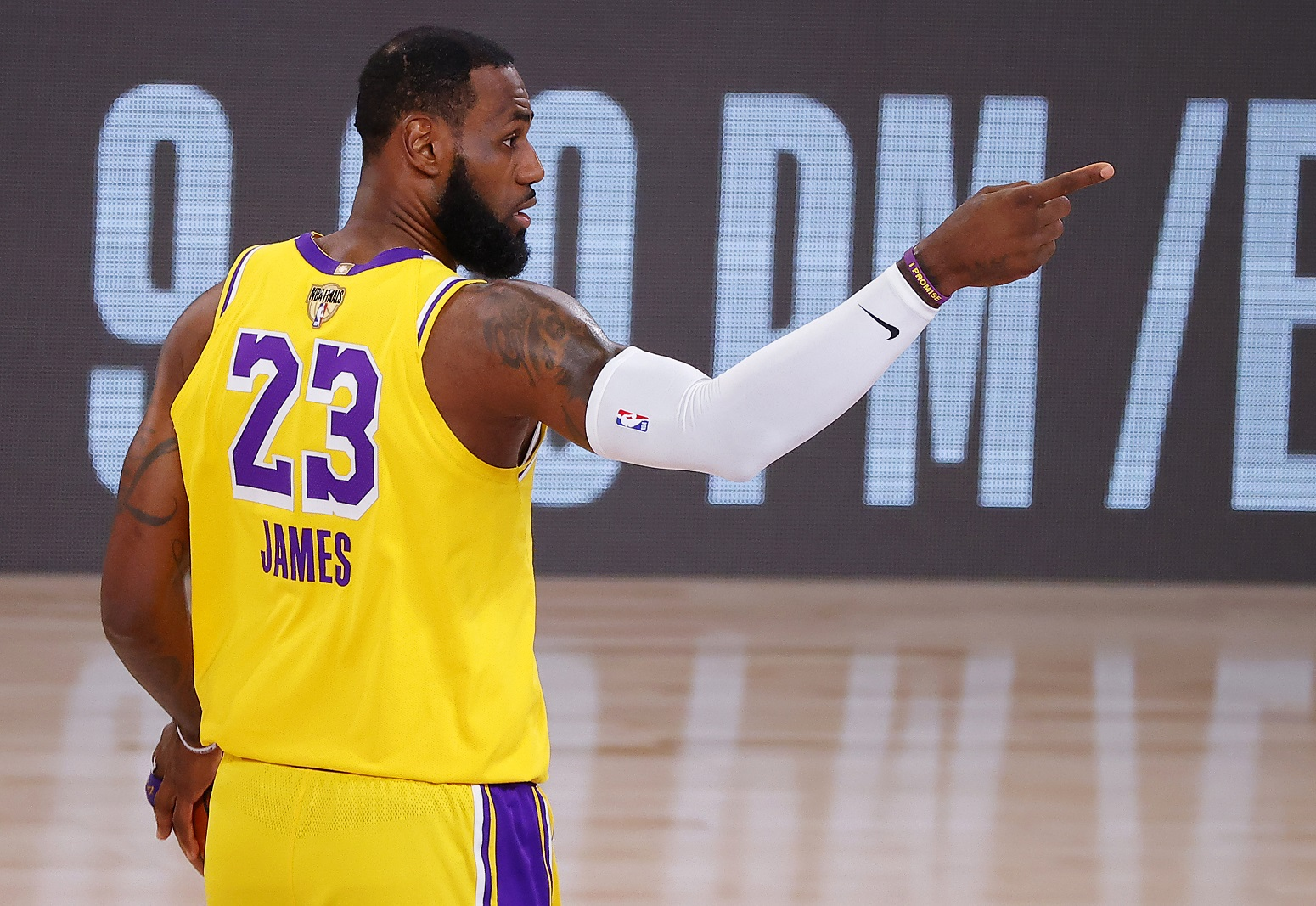 LeBron James may fore Lakers add star player
