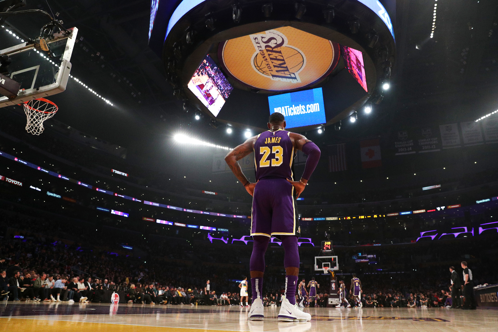 There was a ton of drama going on within the LA Lakers' organization. However, LeBron James and Jeanie Buss worked together to cut it out.