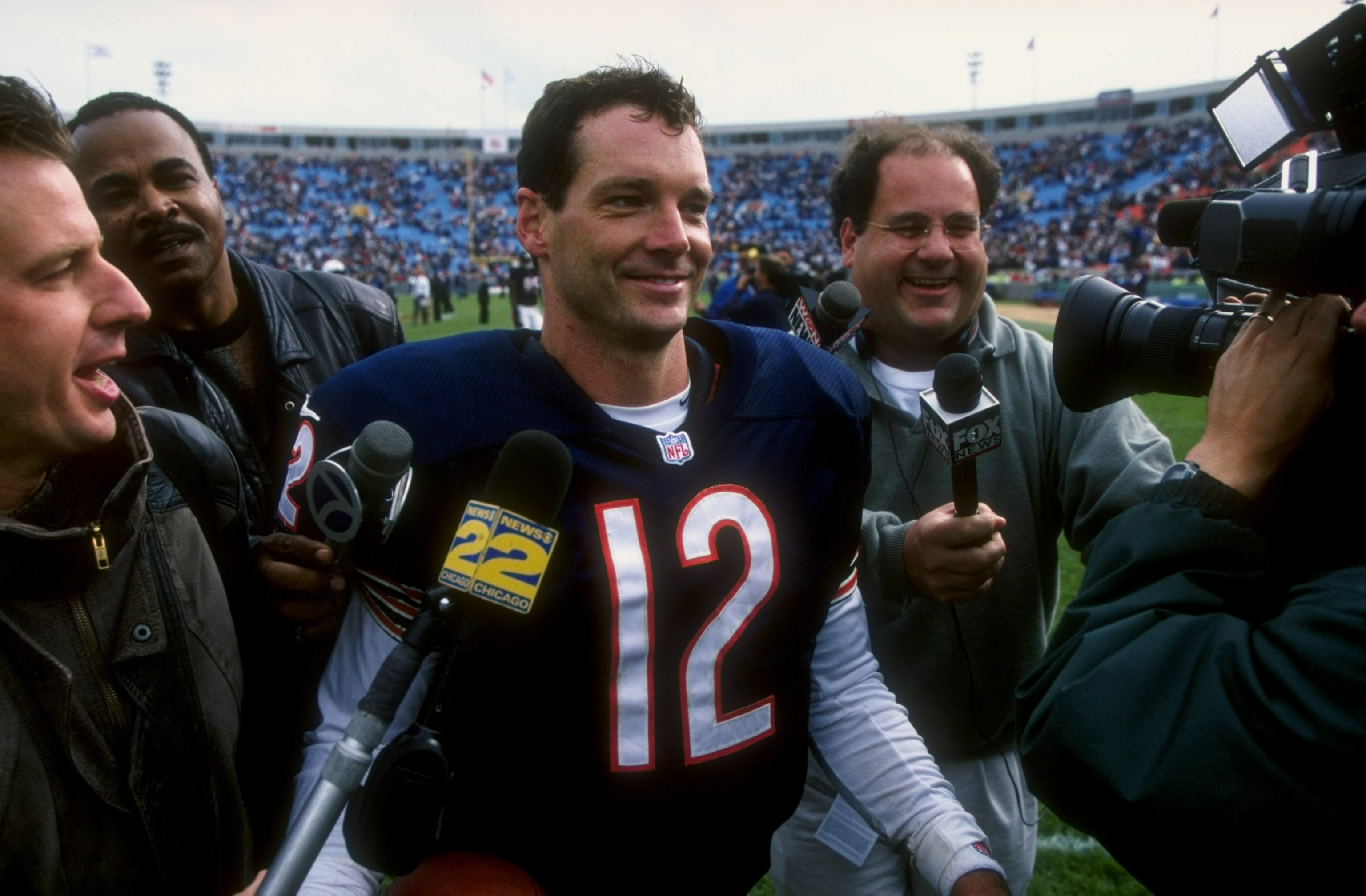 Quarterback Erik Kramer of the Chicago Bears talks to reporters in 1998