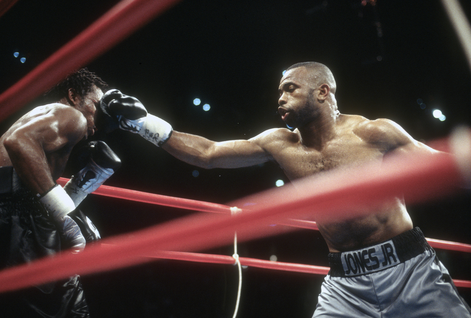 Roy Jones Jr. isn't expecting Mike Tyson to fight like it's an exhibition.