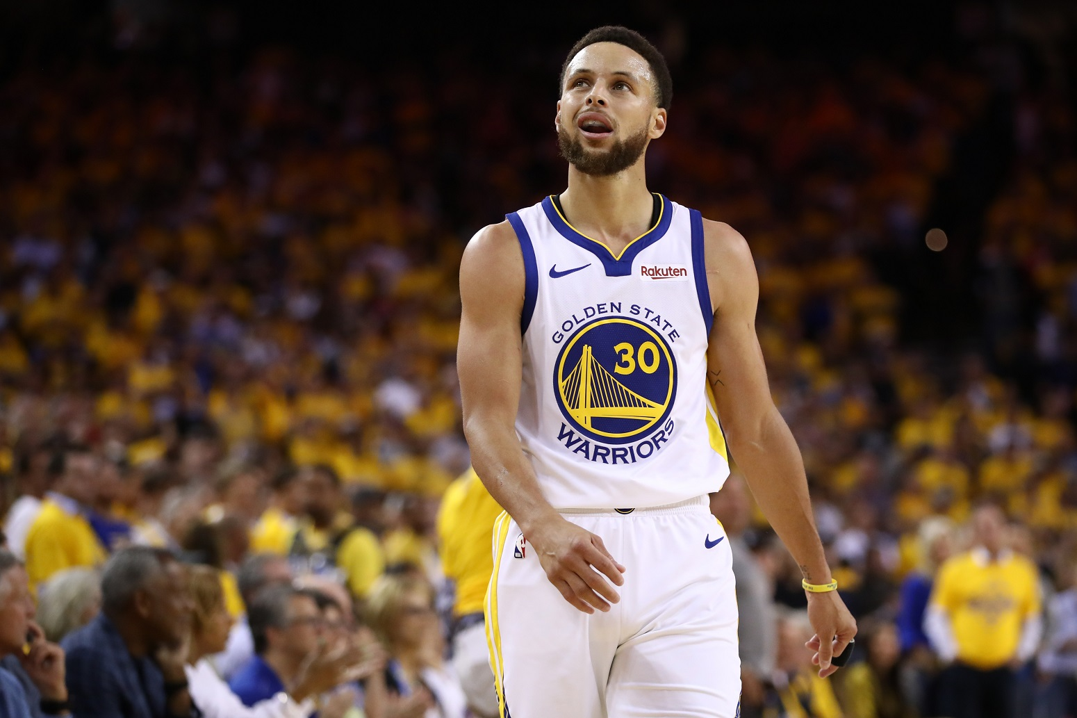 Stephen Curry Warriors NBA title contenders