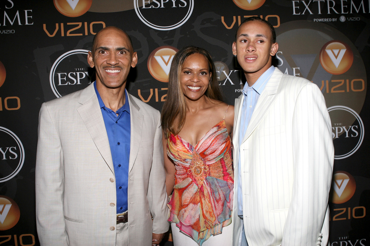 Legendary Indianapolis Colts head coach Tony Dungy chose his family over a return to coaching.
