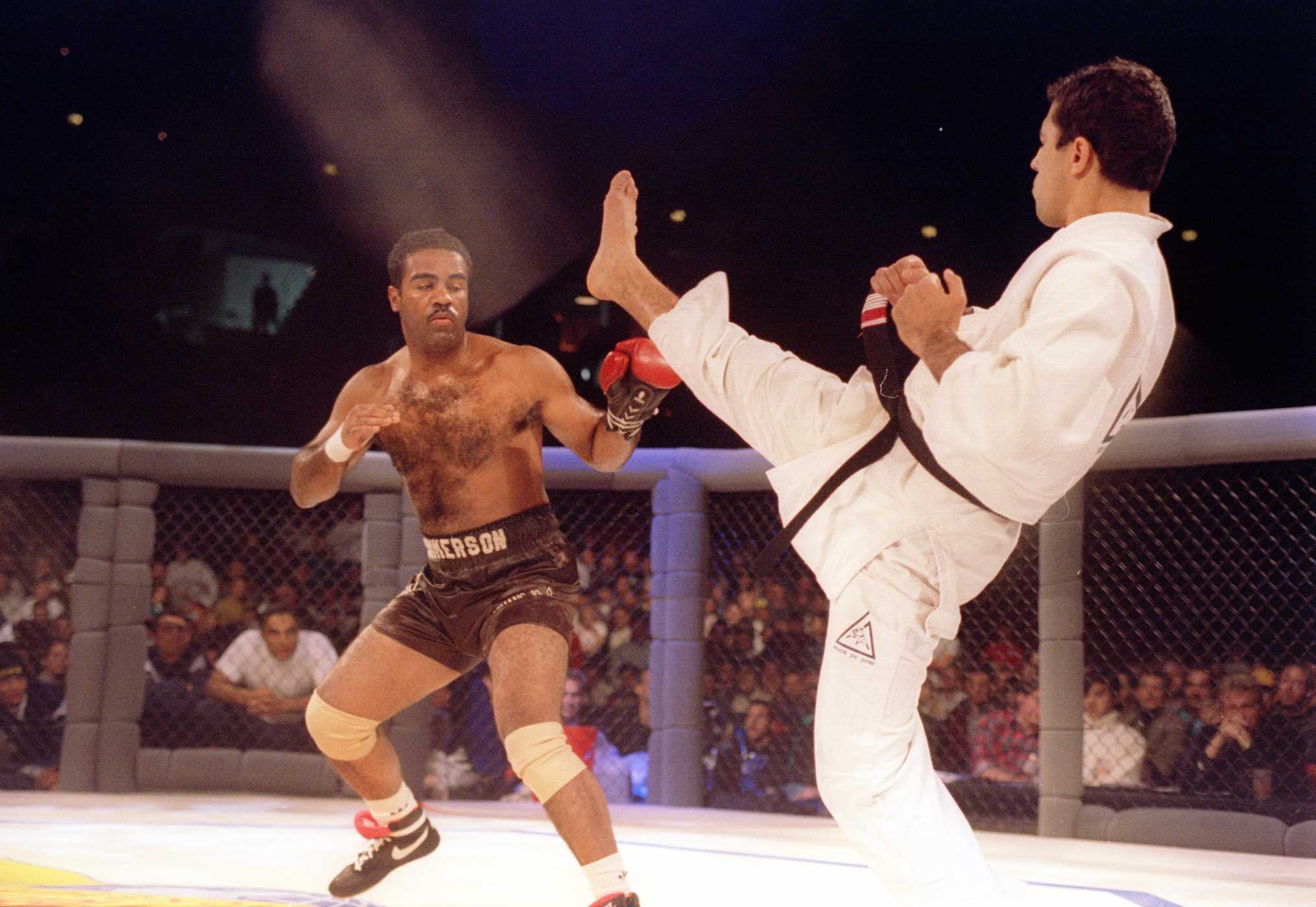 Royce Gracie and Art Jimmerson at UFC 1