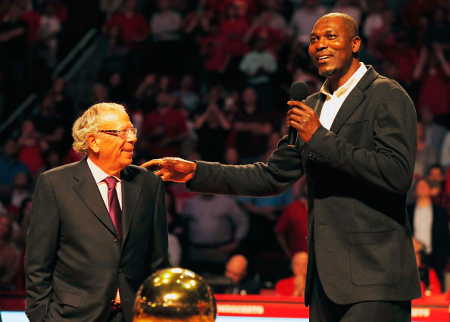 Hakeem Olajuwon offers his opinion on the LeBron and MJ debate