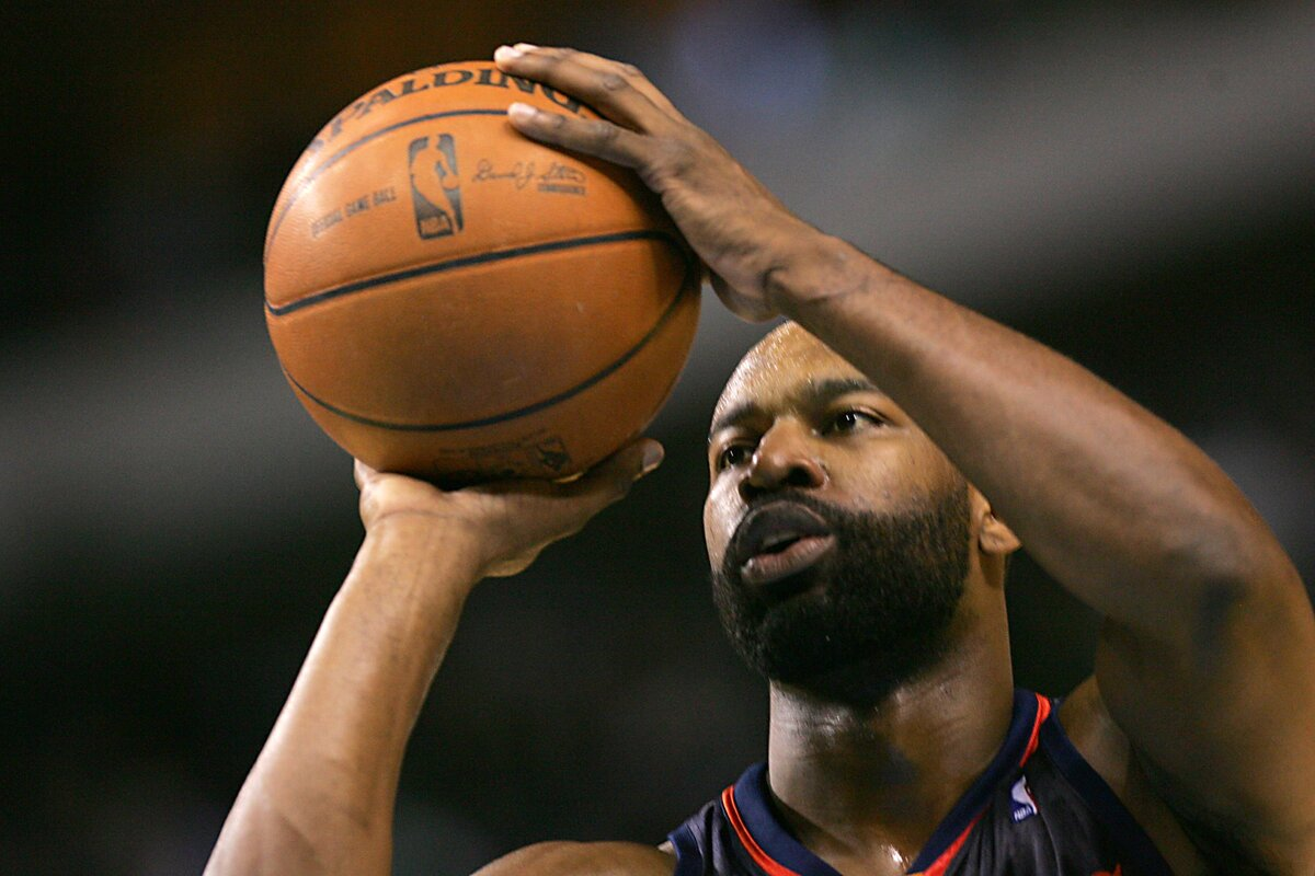 Former Golden State Warriors star Baron Davis had a terrific NBA career and made plenty of money. Davis has been a busy bee in retirement, too.