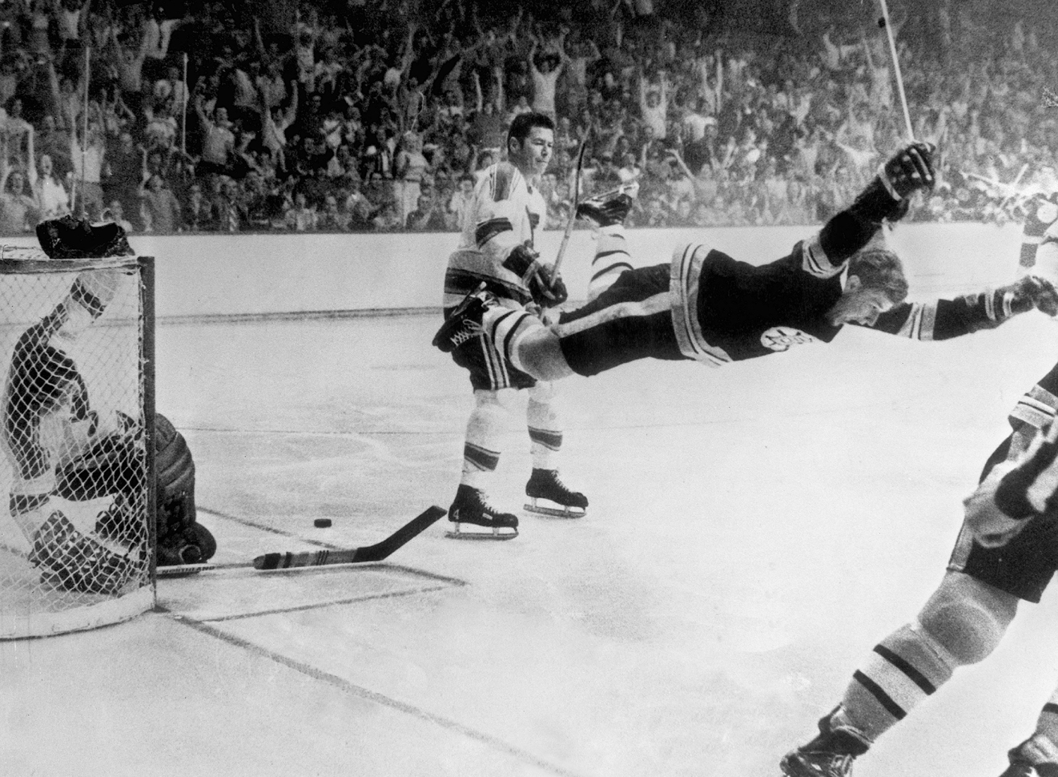 "Bobby Orr said he wants to be a ""teammate"" of Donald Trump."