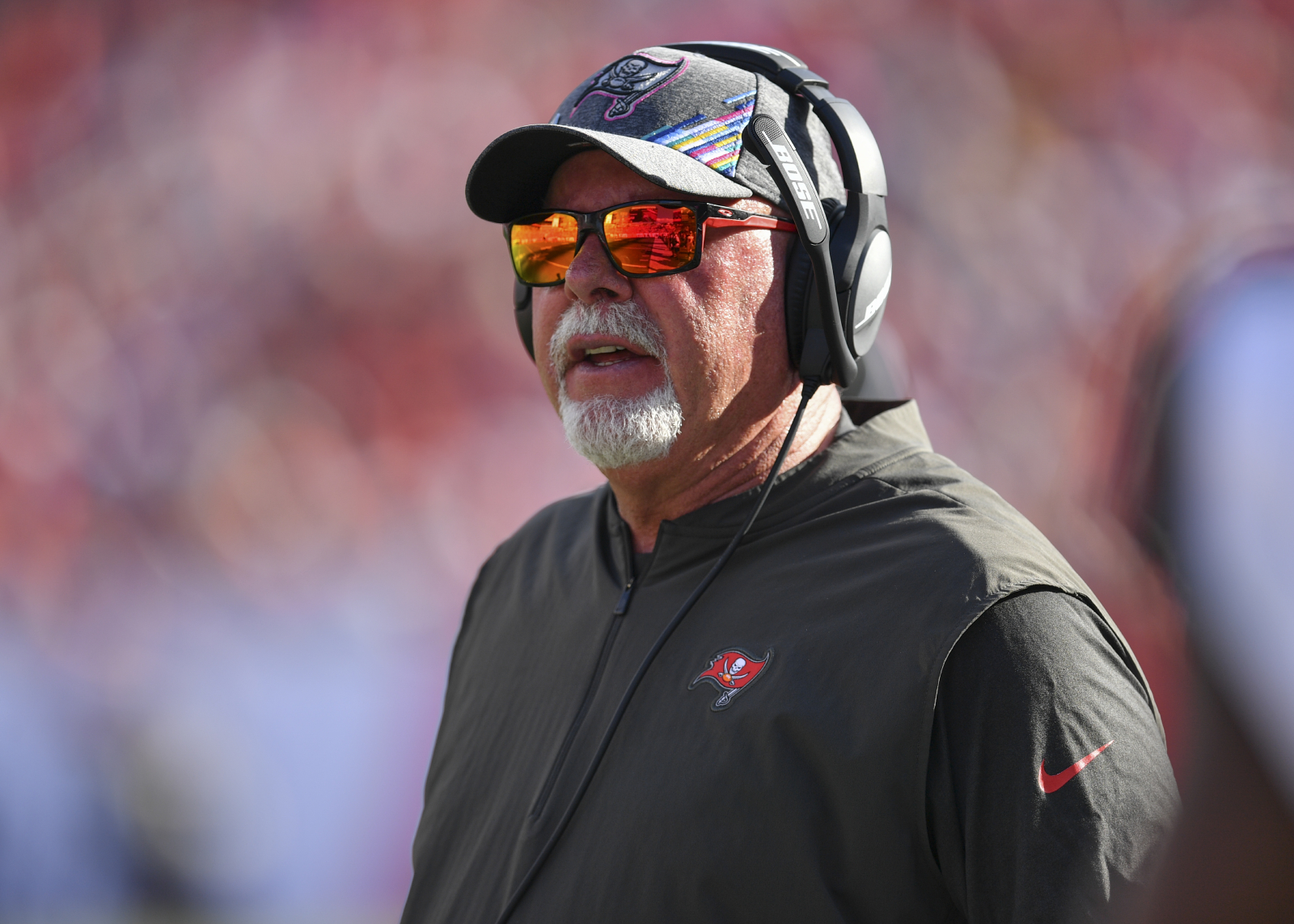 Bruce Arians and the Buccaneers have a huge game in Week 9. Ahead of the game, Arians sent out a strong message about Saints RB Alvin Kamara.