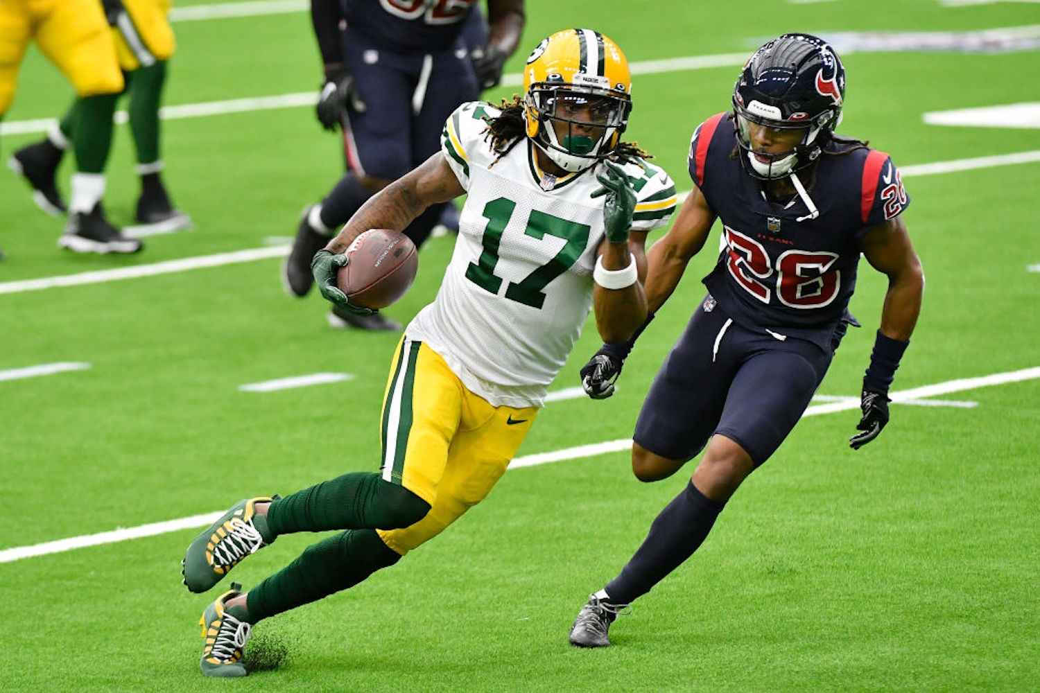 Davante Adams is arguably the best wide receiver in the NFL, and he recently had high praise for an underrated star at the position.