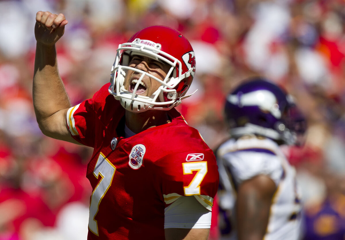 Matt Cassel began his career backing up Tom Brady on the New England Patriots. Cassel turned a season replacing Brady into $65 million and a long career.