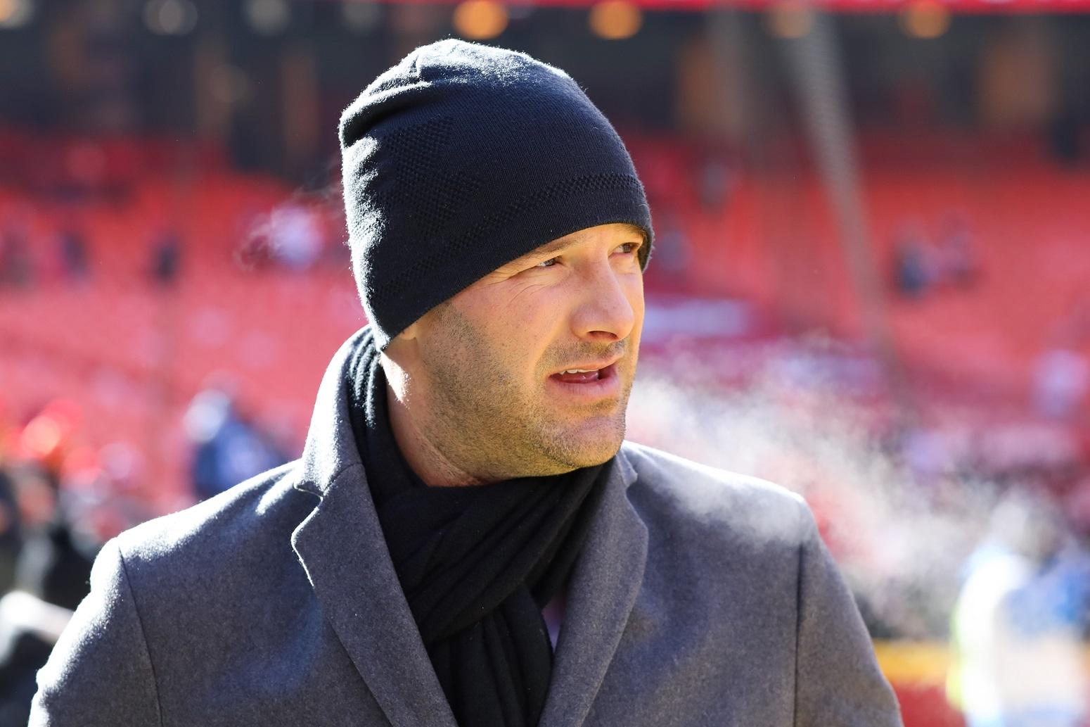 Tony Romo defends Tom Brady Buccaneers struggles