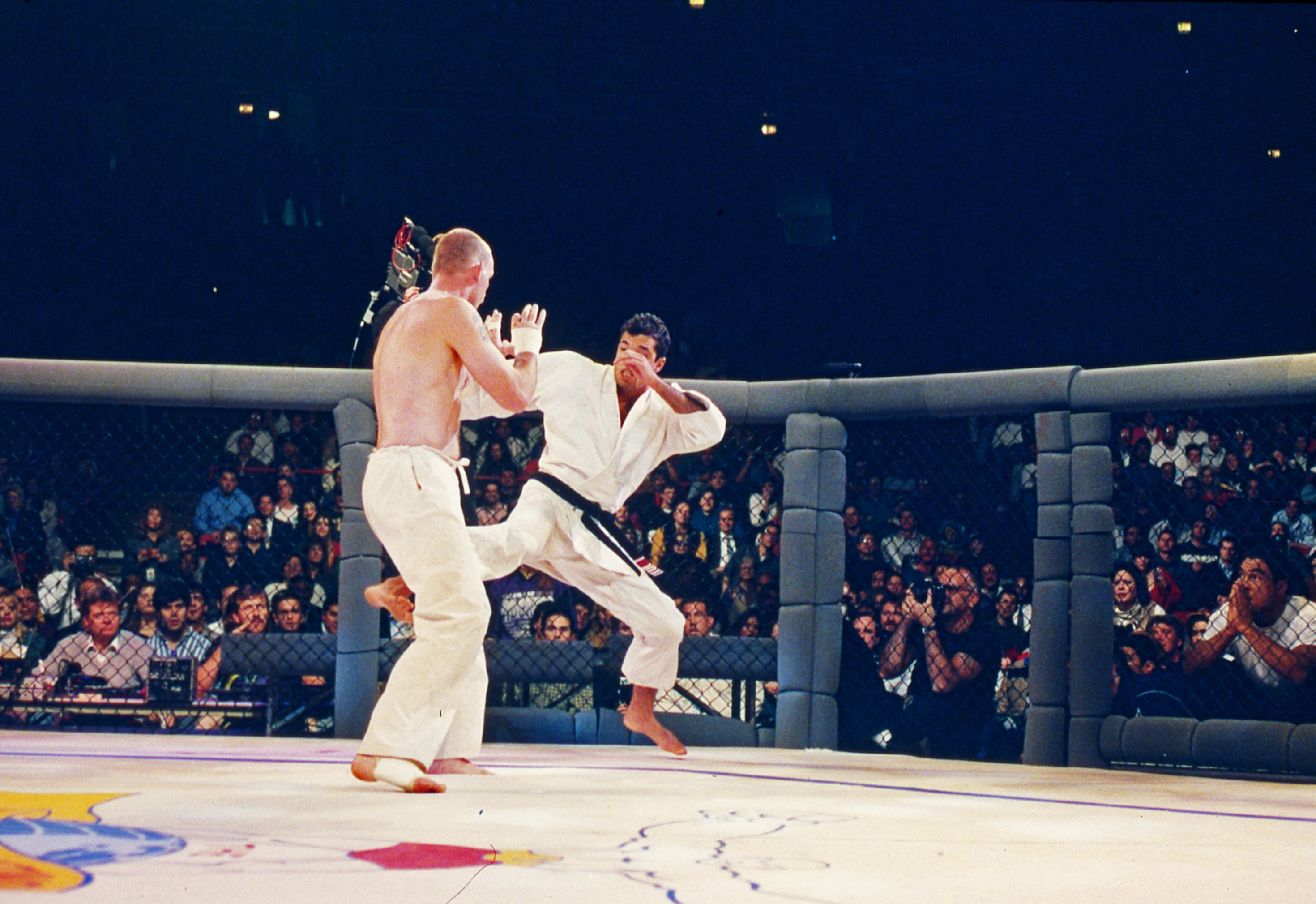 Royce Gracie fights in UFC 1