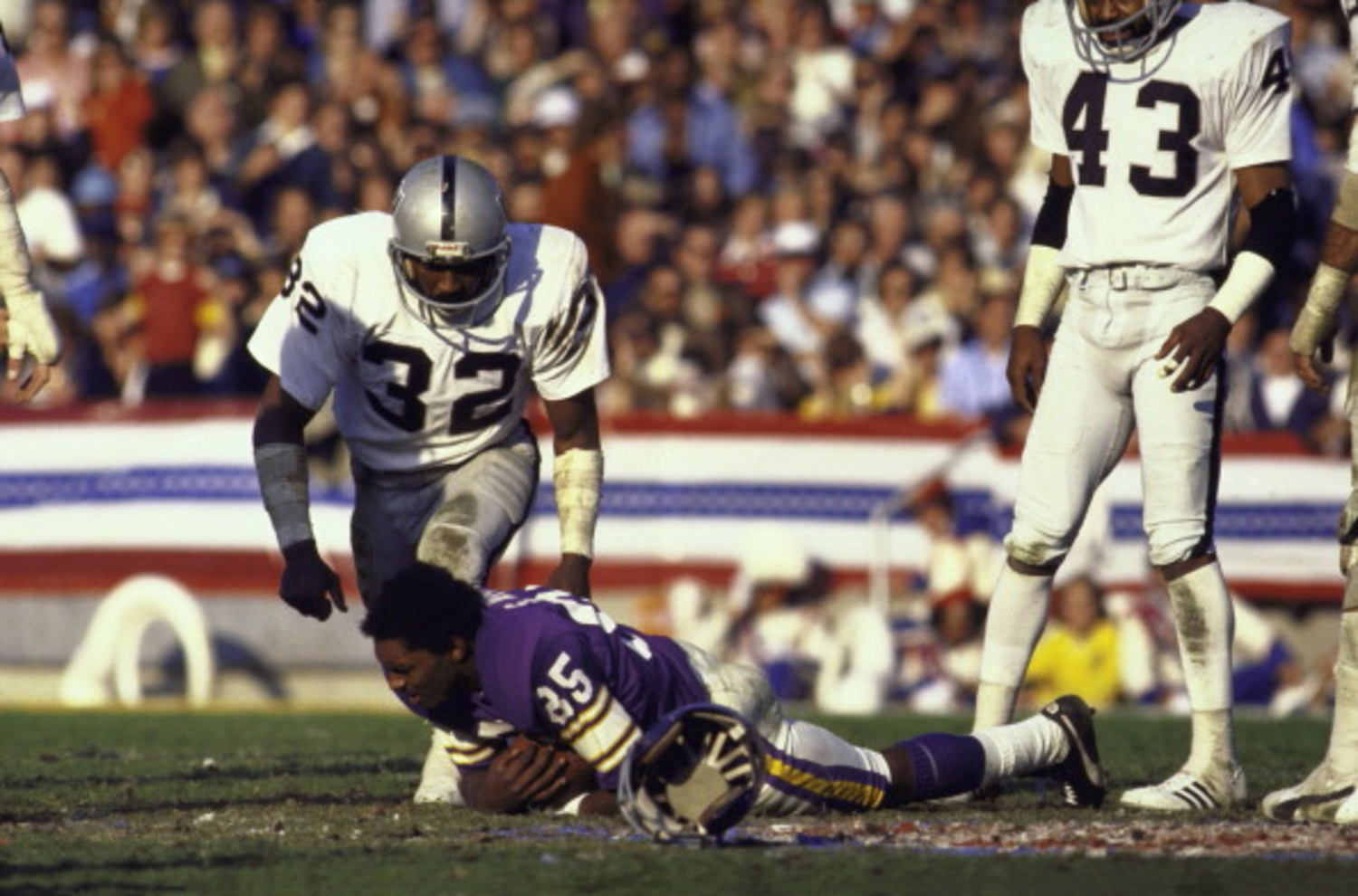 The Tragic Death of Oakland Raiders Great and Hard-Hitting Safety Jack Tatum