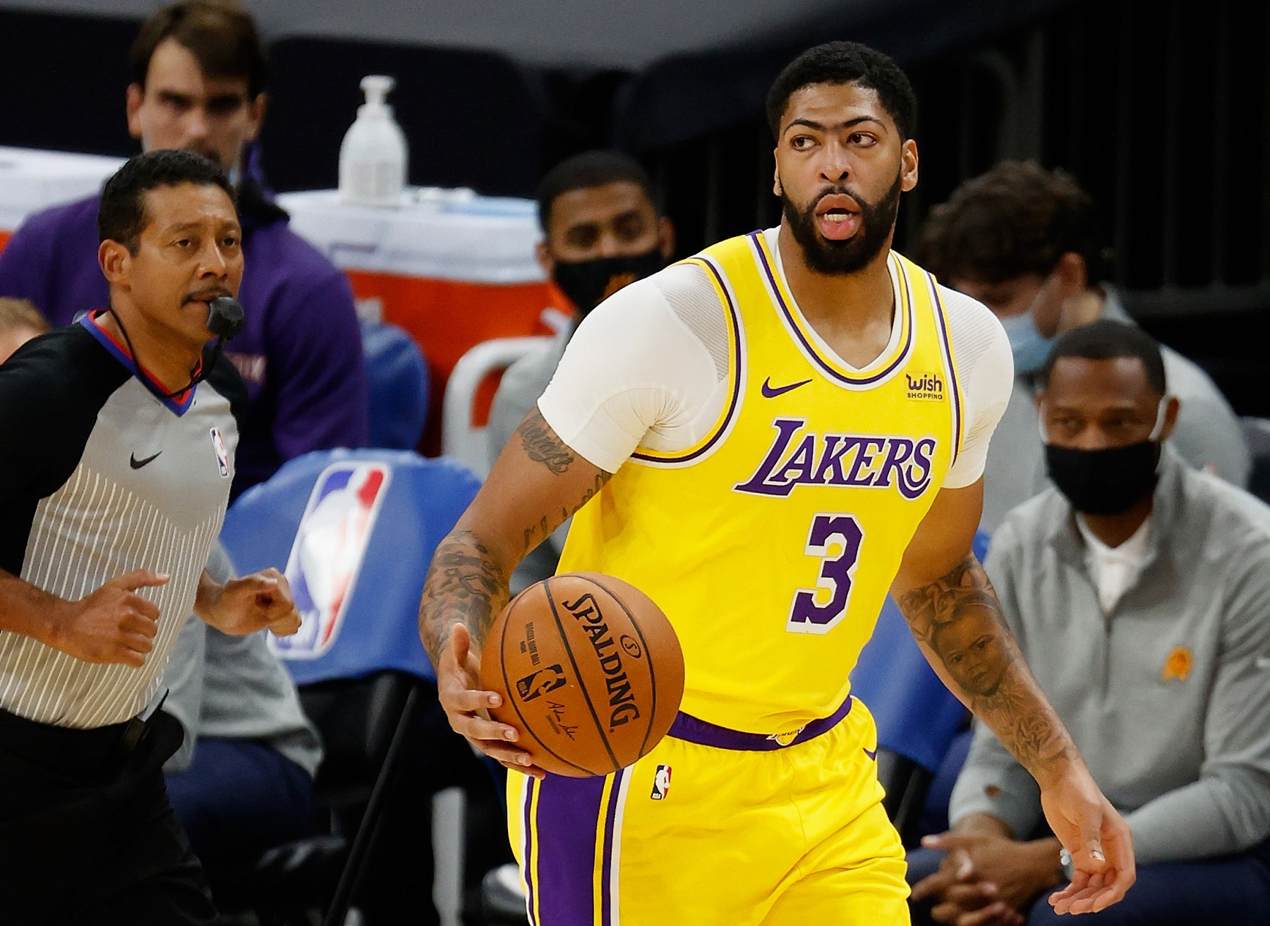 The Lakers' Anthony Davis Even Says No To His Mother When It Comes To Money