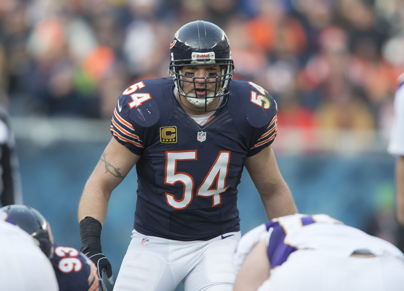 Brian Urlacher was one of the greatest linebackers of all-time. He could actually be back on the field playing football again soon, too.