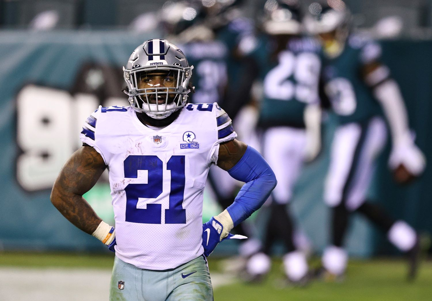 Ezekiel Elliott just got put on blast for his disappointing play by former Dallas Cowboys defensive lineman Marcus Spears.