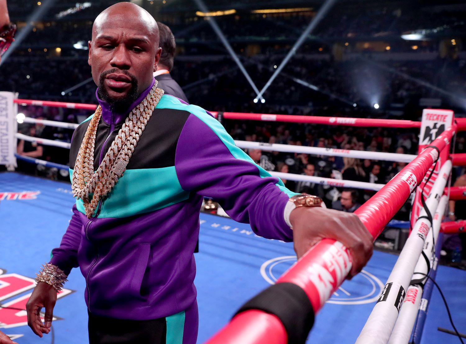 Floyd Mayweather Has Officially Set a Date to Fight Logan Paul
