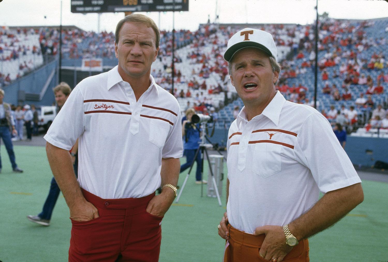 Former Texas Longhorns Football Coach Fred Akers Dies at 82
