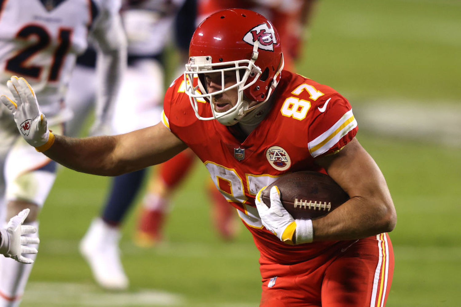 On Sunday night, Travis Kelce became the first tight end in NFL history to record 1,000 receiving yards in five seasons.